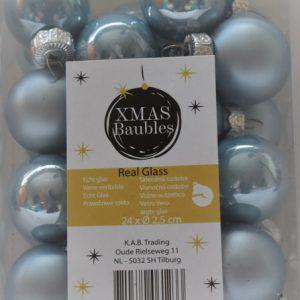 licht blauwe glazen kerstballen